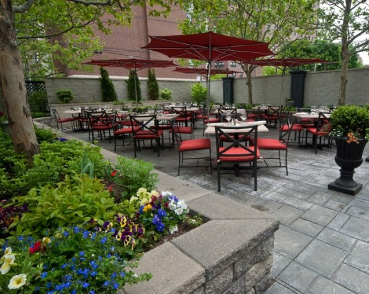 5 Chicago Outdoor Patios to Try in the Summer of 14